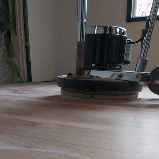 Floor refinisher