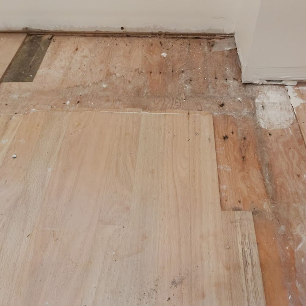 red oak floor repair before 1000x1000 2